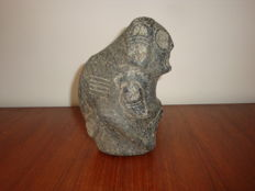 Taino Greater Antilles - Zemi - Anthropomorphic amulet -  Chiselled and polished dark grey/noire stone -  Width 120 mm - Height 190 mm.