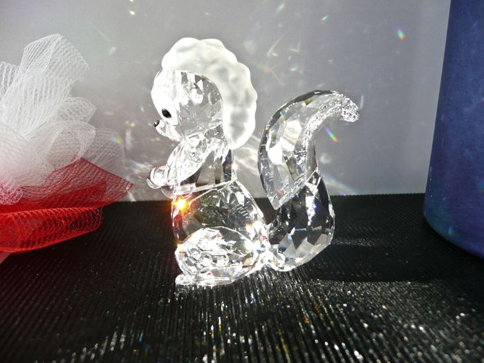 Swarovski - Disney Flower from the Bambi series.