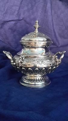 Rounded sugar bowl in silver, marked 800 - 39PA St of Italian workmanship, around 1940