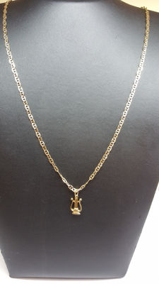 14 kt yellow gold necklace with a two-sided harp pendant, 45 cm