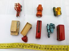 Matchbox - Scale approx. 1/76 - Lot with 8 models: Triumph T110 - No.4, Bedford - No.29, truck - No.26 bus imperial - No.56 & No.5, cart with its horse, truck trailer & bulldozer.