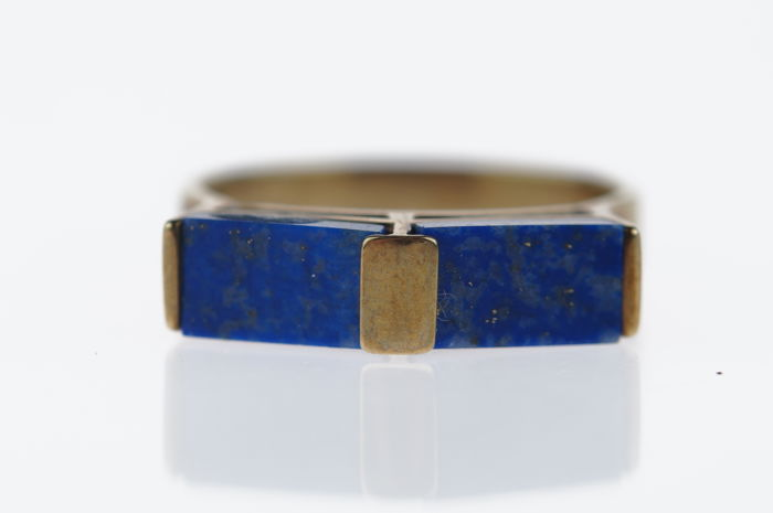 Yellow gold women's ring set with Lapis Lazuli, ring size 18, low reserve price