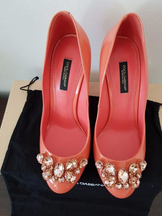 Dolce & Gabbana – Patent leather court shoes with crystals – No reserve price