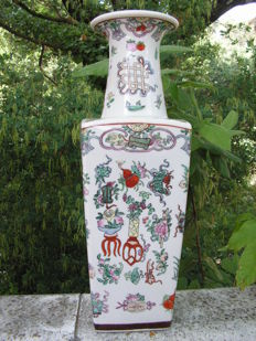 Large vase - China - Second half of 20th century.