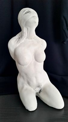 Decorative;  Blindfolded woman - statue - 2010
