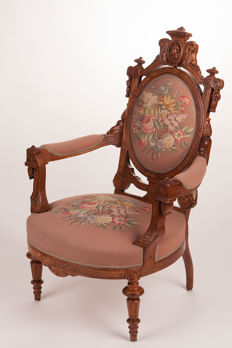 Oak and briar armchair upholstered with an Aubusson fabric - England, ca. 1870
