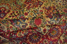Beautiful antique hand-knotted Persian oriental carpet, Kirman Lawer, 270 X 380 cm.