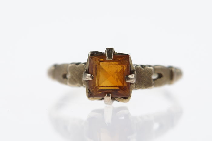 14 karat gold ring with Citrine, ring size 16