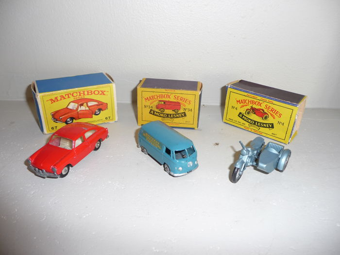 Matchbox - Scale ca 1/64 - Lot with 3 models: Triumph Sidecar - No.110, VW Combi - No.34 and VW 1600 - No.67