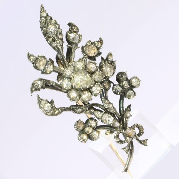 Original Victorian gold 'trembleuse' flower branch brooch with diamonds  - anno 1870- reduced price now !!
