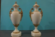 Pair of Napoleon III marble and golden bronze cassolettes - France - second half of the 19th century.