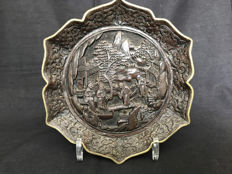 Chinese, bronze, brown, laquered plate – Hong Kong – 2nd half 20th century