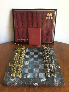 Manopoulos chess set with marble chessboard