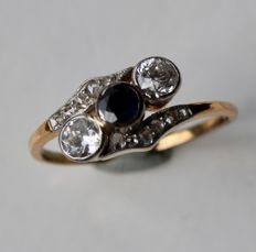 Platinum and 14kt. gold ring with natural Sapphire, rose cut diamonds and 2 old cut brilliants approx. 0.40ct. total, ca.  1910