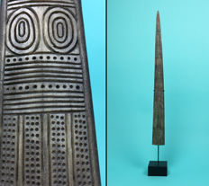Engraved tooth of a swordfish - 89cm - Papua