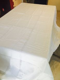 Long linen tablecloth with lace and embroidery