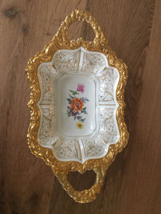 Meissen dish with a lot of gold