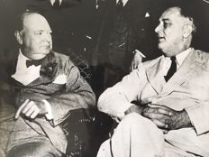 Unknown/Keystone Bettmann/Corbis - Winston Churchill and Franklin Roosevelt - Washington - 1942