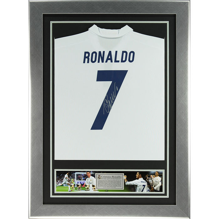 purchase cheap 88d0e 25091 Cristiano Ronaldo Signed Real Madrid 2016/2017 Home Shirt - Number 7 -  Catawiki