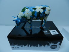 Cowparade - Cowalina Dogwood  - artist: Molly Brown Roberts