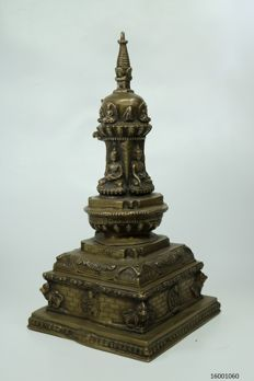 Detailed stupa decorated with multiple bronze Buddhas – Tibet – 2nd half 20th century