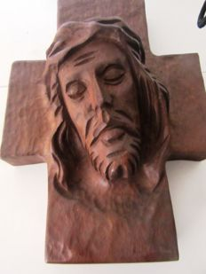Wooden sculpture of Christ's face