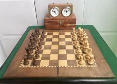 Wooden chess with BHB clock
