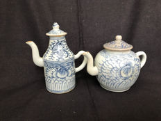 Pair of Chinese blue-white porcelain wine-tea jugs - China - 19th century