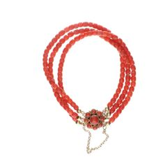 14 kt blood coral bracelet set with yellow gold clasp with blood coral.