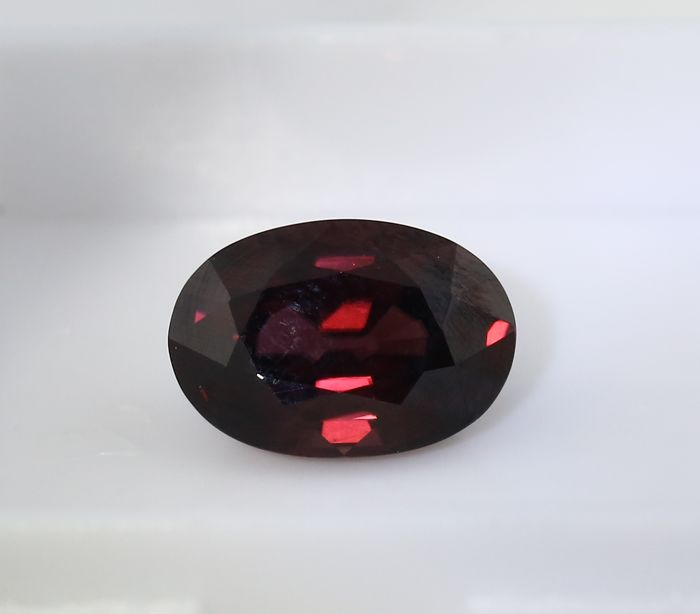 Deep Pinkish Purple Zircon - 4.26 ct - no reserve price