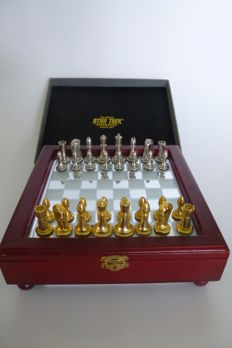 Star Trek chess game by Franklin Mint, 1994