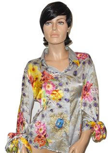 Cavalli – Wonderful silk blouse with a floral pattern, no reserve price