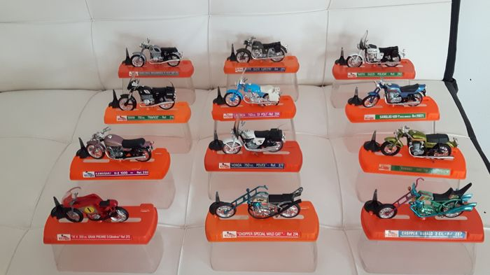 Lot of 12 motorcycles to scale - brand Guiloy