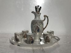 Liqueur service 8 pieces in fine porcelain with the effigy of Napoleon and the Empress