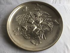 Beautiful silver plate, finished with 'butterfly and flowers' - in very good condition