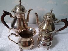 Coffee- tea set, silver plated with wooden handles, England, second half 20th century, very good condition