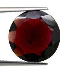 Red garnet – 8.93 ct – No reserve price