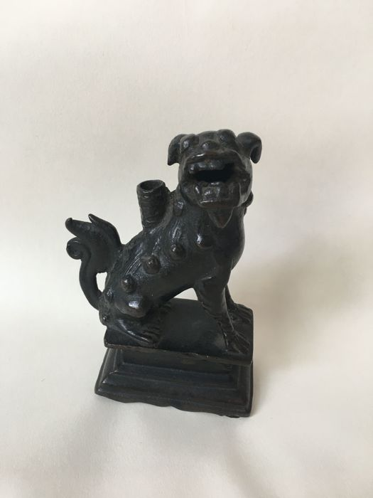 Foo-Lion-Dog Incense stick holder - China - ca. 1700 (Ming Dynastie)