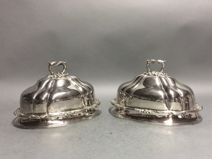 A set identical antique silver plated bell jars, oval model, Victorian, England, ca 1875