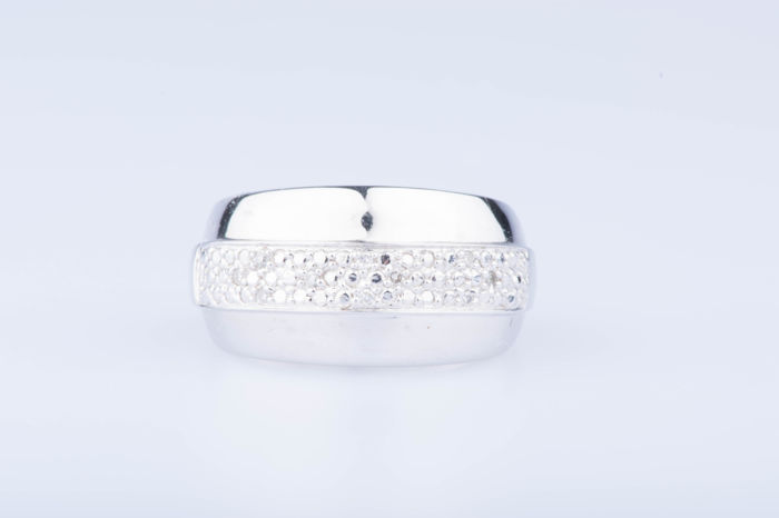 18 kt white gold ring, 10 diamonds approx. 0.10 ct, Size: EU 52, US 6