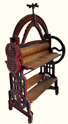 Large and beautiful cast iron washing mangle 'Kruyt Brothers, Leiden', late 19th century