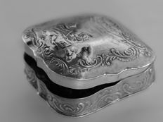 Pillbox in silver, Karl Kurz, Germany, 19th century