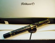 pelikan 800 renaissance brown fountain pen