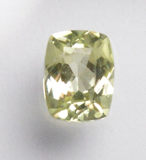 Diaspore – 0.67 ct – No reserve price