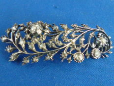 Antique silver/gold feather brooch set with rose diamond