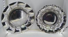 Two plates or centrepieces in sterling silver