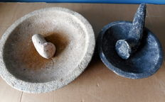 Two Indonesian mortar and pestles - 28 and 18 cm - 5.5 kg