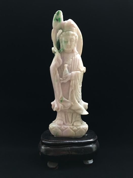 Guanyin Buddha carving jadeite - China - late 20th century
