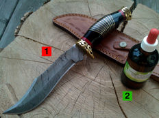 1 Damask steel hunting/outdoor/camping knife + 100 ml Camellia care oil to maintain the handle and the blade