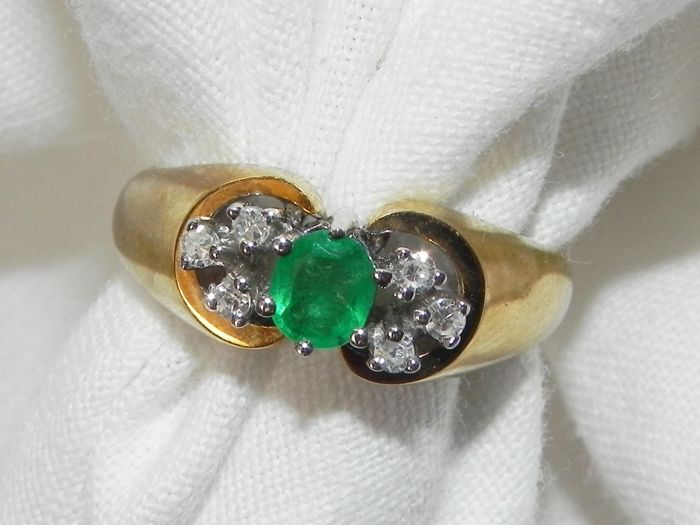 Emerald diamond ring approx. 0.32 ct with 0.12 ct brilliant TW-SI made of 585 / 14 kt yellow gold – 17.2 m